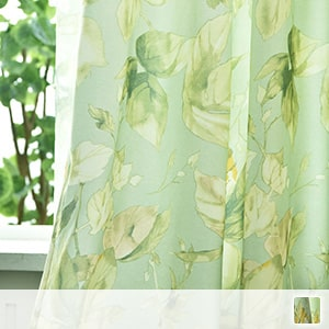 Set curtain with refreshing green lace
