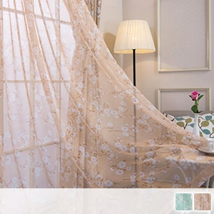Lace curtains, country-style petite flowers