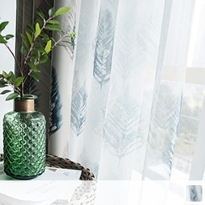 Light-shielding fabric with lace curtains and retro feather pattern