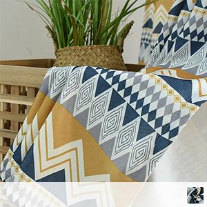 Drape curtain, geometric design with exotic essence