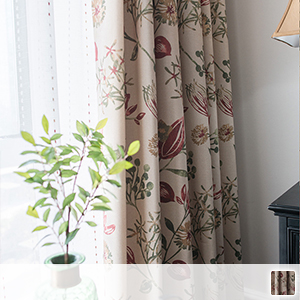 Drape curtains with floral patterns, soft fabric with a delicate touch