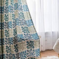 Bright leaf motif curtains