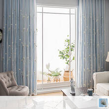 An integrated curtain designed with the image of a dandelion swaying in the spring breeze